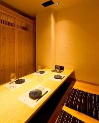 ご宴会利用もしやすいゆったり個室完備。