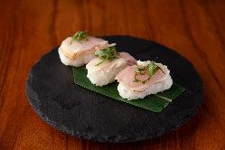 鶏のお寿司も食べれ食べられる「黒さつま鶏の握り」