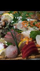 唯一無二の逸品や旬魚刺身などここでしか味わえない料理目白押し
