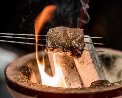 新たに【炭火焼き】を取り入れ、風味を楽しんで頂きます
