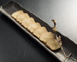 旬の食材や秋田県の食材をふんだんに使ったお料理をご準備