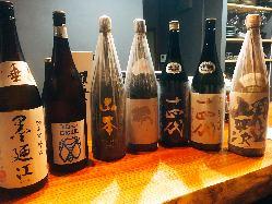 店主目利きの《日本酒》も多数ご用意してお待ちしています♪