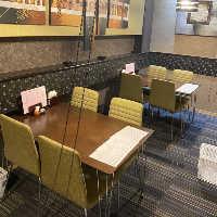洗練された大人に相応しい落ち着いた空間は会食、接待に最適