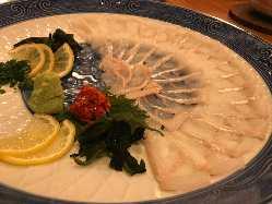 日替わりの大皿料理です。 料理は来店時のお楽しみです・・・