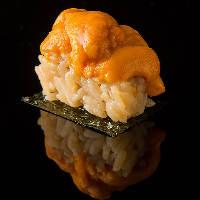 ネタにもシャリにもこだわった江戸前鮨をご堪能ください