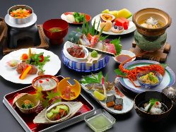接待や会席など用途に応じて使える四季折々の料理を提供致します