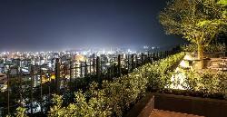 夜景を眺めながら最高のひと時を♪