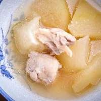 《冬瓜と鶏肉の土佐煮込み》