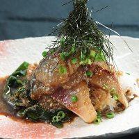 【ゴマサバ】 新鮮な活サバに自家製のゴマ醤油ダレが絡んだ逸品