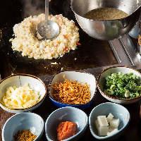 浅草もんじゃは作るのも食べるのも楽しめる!