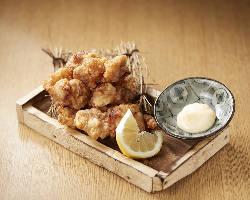 【揚げもの】 浅漬け鶏唐やチーズフライなど種類も充実の品揃え