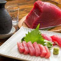 漁獲量を誇る沖縄ならではの近海マグロ料理や刺身に鮮魚料理など
