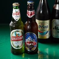 インドやネパールの瓶ビールなど現地のお酒をぜひお試しください