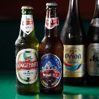 【ドリンク】 インドやネパールの瓶ビールやラッシーも人気