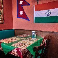 【カラフル】 彩り鮮やかな内装でネパール現地の雰囲気を満喫