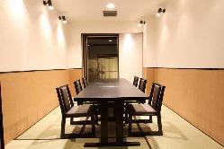 少人数から利用できる、全席個室の寛ぎ空間