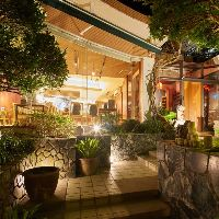 ●沖縄の庭園● ガジュマルなど沖縄の木々に囲まれた癒し空間