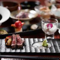 料理長の趣向を凝らした会席コースは3,000円~
