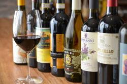 【ワイン】 ボトルは約100種類、グラス6~8種類ご用意◎