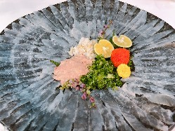 【テイクアウト特選海鮮丼】ズワイ蟹・生うに・いくら。※要予約