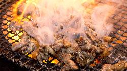 宮崎地鶏のもも焼きは絶品!炭火焼きの香ばしさにお酒が進みます