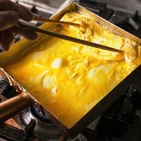 奥入瀬卵の出汁巻き玉子などこだわり食材を使った料理が並びます