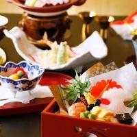板前の創る本格日本料理は旬食材をふんだんに使用した贅沢な内容