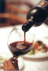 ワイン片手に気軽に、気楽に。それがAGIOスタイルです。