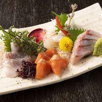 天然物の鮮魚と美味しいお酒。日常を離れ、安らぎのひとときを