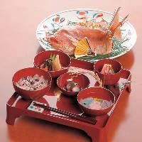 長寿のお祝いやお子様のお食い初め膳など様々なお料理をご用意