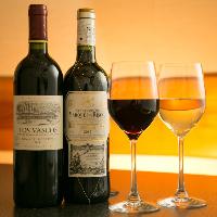脂の乗った絶品肉と厳選ワインのペアリングをお愉しみください。