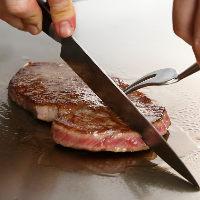 肉の芸術品とも言われている日本三大和牛の一つ「特撰松阪牛」