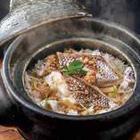 虎連坊名物の『鯛飯』ご注文から丁寧に炊き上げております!!