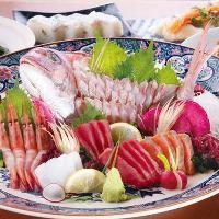 美味しい海鮮料理を刺身、焼き魚など多数取り揃えております!