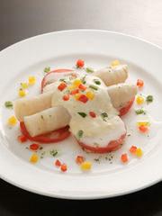 日本ではびいどろでしか食べられない極太のアスパラガスをどうぞ