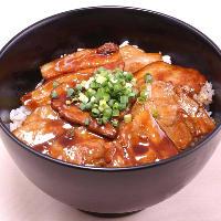 じゅらく名物 「しびれ豚丼」!!