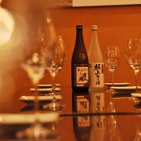 日本酒をワイングラスで 蔵元直送の豊富な種類に圧巻