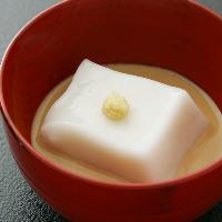 季節の幸を素材味豊かに仕上げた伝統的な日本料理が魅力。