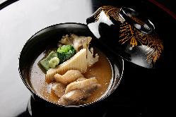 加賀伝統の料理 旬の食材をお楽しみください