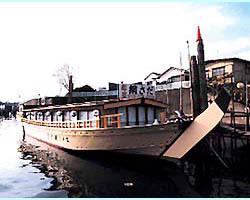 4つの乗船場から乗船が選べます。 送迎バスも有り