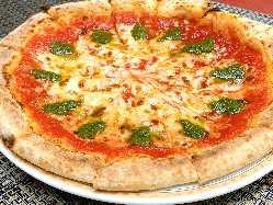 当店自慢の石窯ピザです