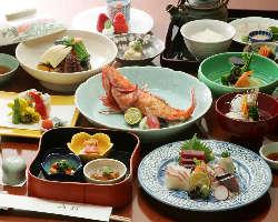 【老舗伝統の割烹料理】 様々な会席コースをご用意しております