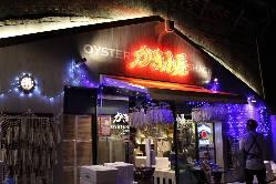 ◆牡蠣小屋1号店はこちらの外観が目印!日比谷口新橋駅徒歩2分