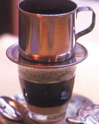 濃厚な味わいのベトナムコーヒー ベトナムスイーツと一緒に♪