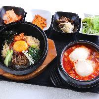 韓国惣菜小鉢が付いたランチセットがお得!