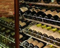 料理と時間をより充実させるワイン。ソムリエがお選びいたします