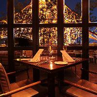 四季折々の景色が楽しめるロケーションで叶う、贅沢ディナー