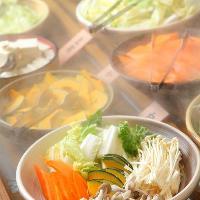 新鮮な国産野菜も食べ放題