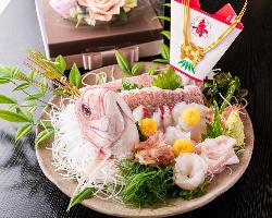 結納・顔合わせ食事会に最適な祝い膳や桜湯などのご用意も可能