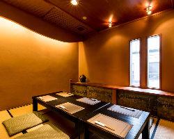 上質な雰囲気の完全個室の他、宴会に最適な30名様迄の個室もあり